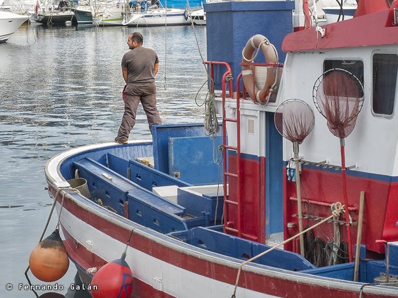 Descargando aguas en el puerto