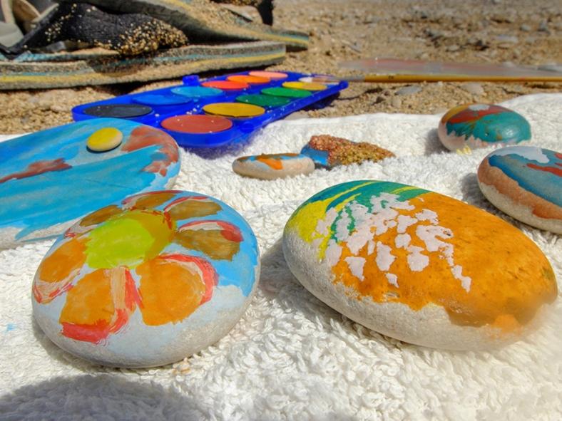 Piedras pintadas con acuarela