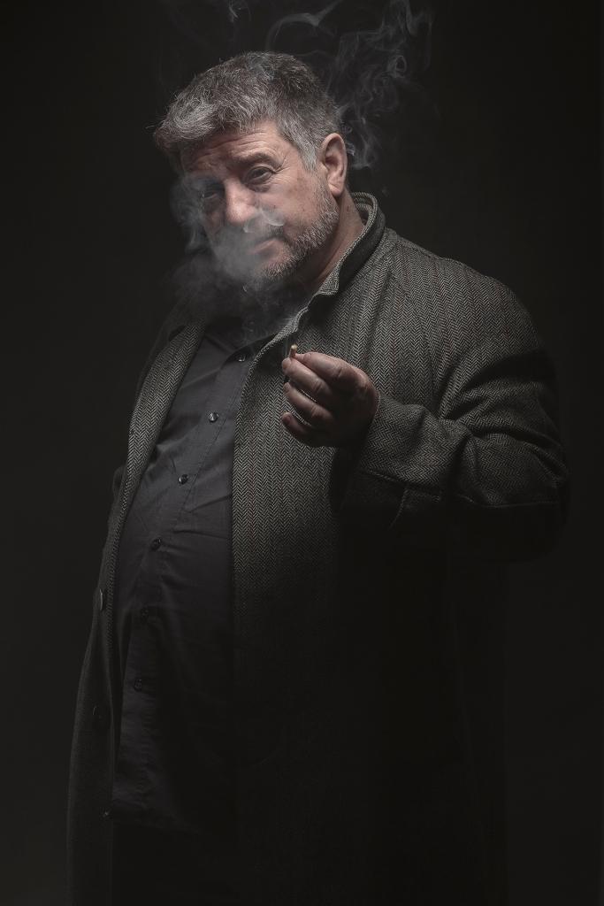 Retrato de un hombre fumando