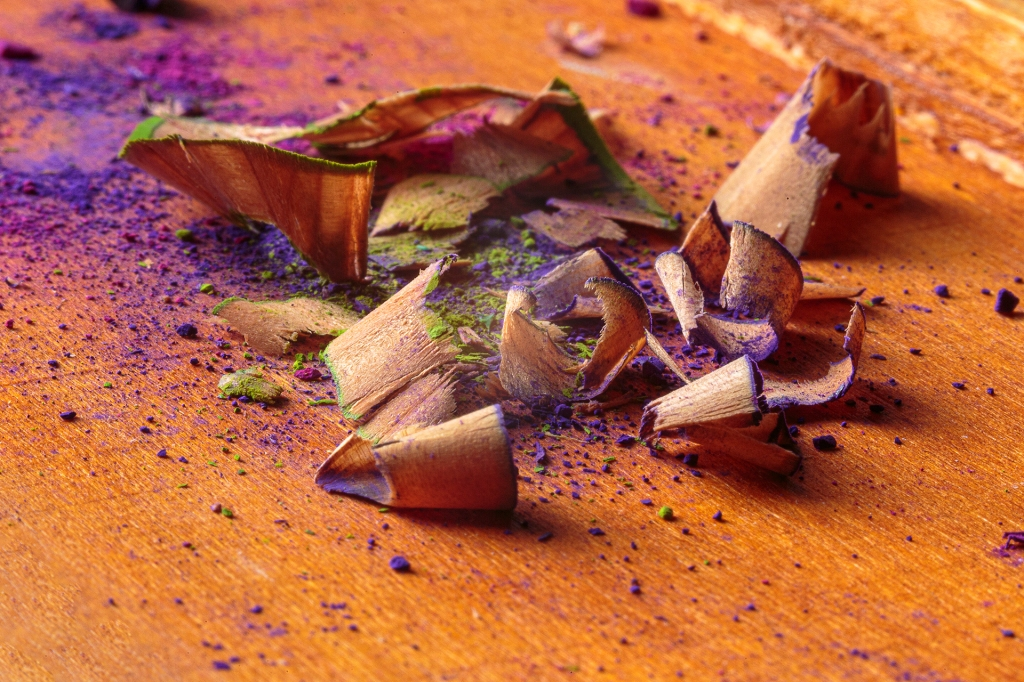Virutas de pintura tras afilar la punta.